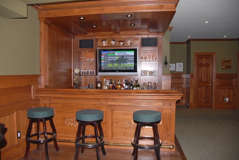 Delightful Reeceu0027s Custom Home Bar Design: This Pub Features A Built In TV Screen,