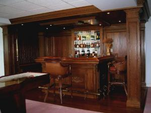 An elegant bar design for a small space