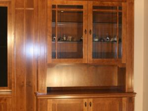 The warmth of maple in Arts-and-Crafts style wall unit