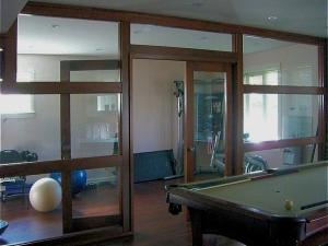 Contemporary partition in cherry wood and tempered-glass custom-trim work : Reeece's woodworking designs: Newmarket, Toronto, GTA, Aurora, Caledon